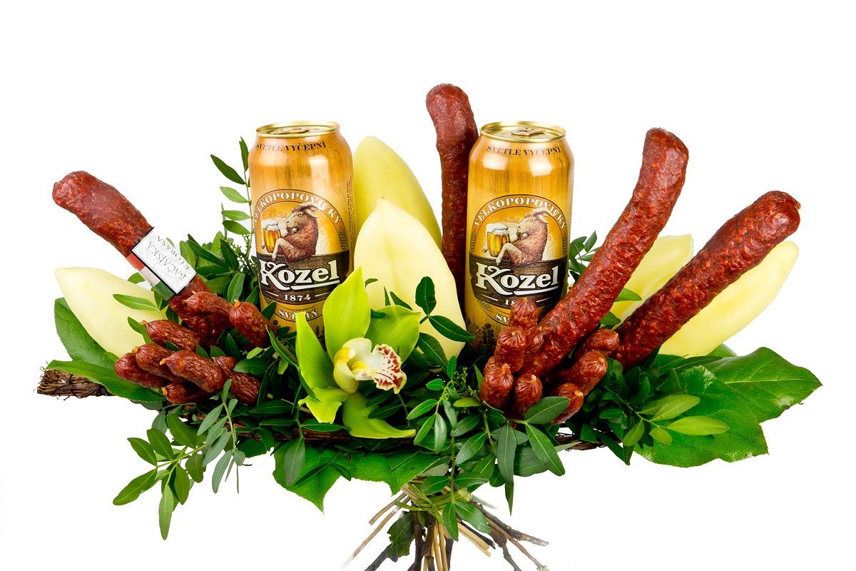 www.kvetinydnes.cz/imgs/products/Klobasova_kytice/1156886_Kytice_s_pivem_main_large.jpg